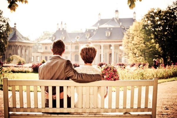 couple-260899_1920-600x400