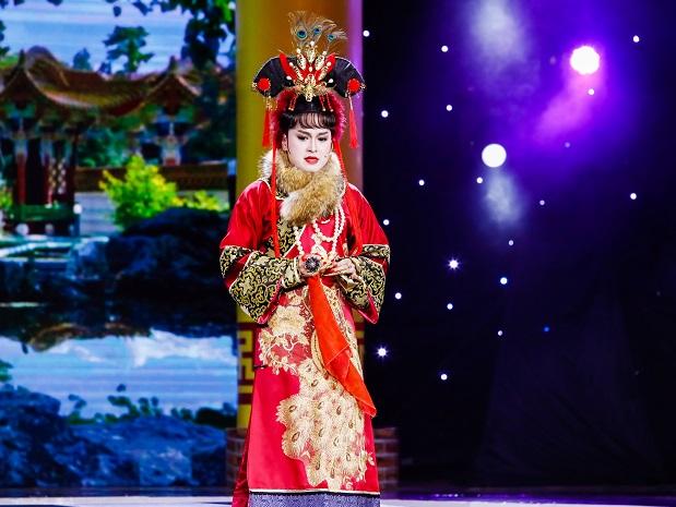 THAI DUY TREN SAN KHAU
