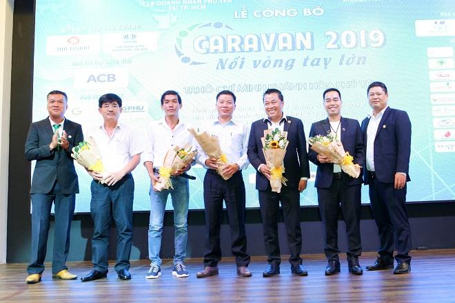 Caravan CLB Doanh nhân Phú Yên - Khánh Hòa 'Nối vòng tay lớn' về quê hương