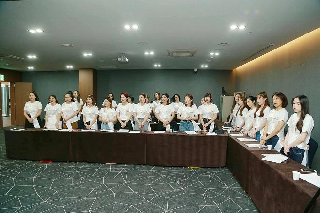 hong-hanh-nhan-ai11