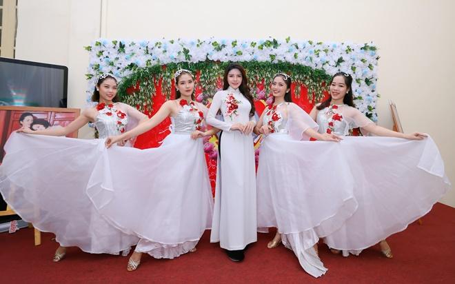 nga-queen-vu-lan-bao-hieu-1