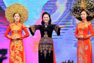 huyen-bi-vietnam-huong-queen-1