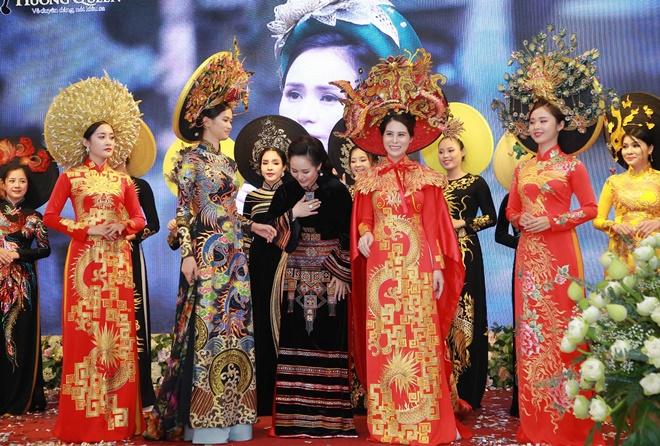 huyen-bi-vietnam-huong-queen-6