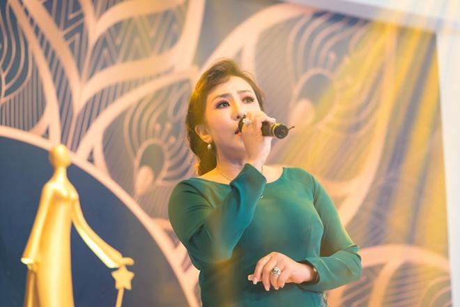 nguyen-ngan-mi-gia-1