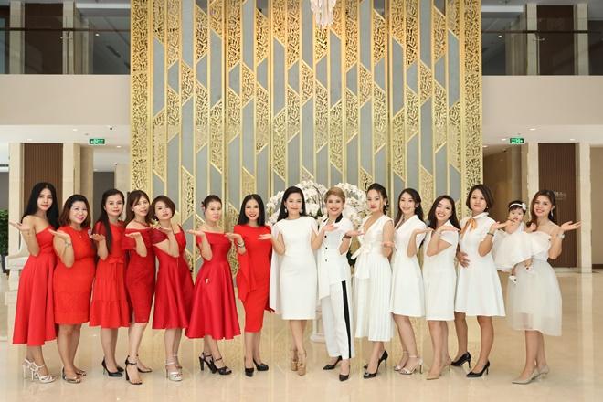 ban-dieu-hanh-happy-women-9