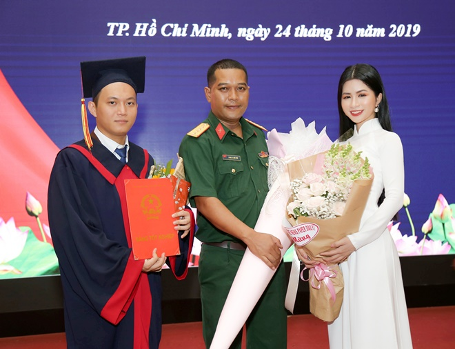 mac-kim-thang-tot-nghiep-14