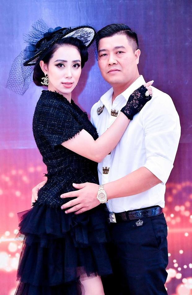 pham-quynh-chong-happy-1