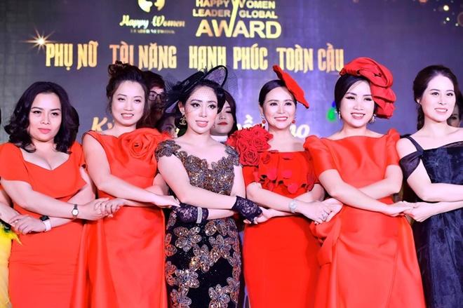 pham-quynh-chong-happy-11