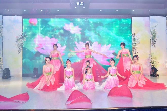 pham-quynh-chong-happy-14