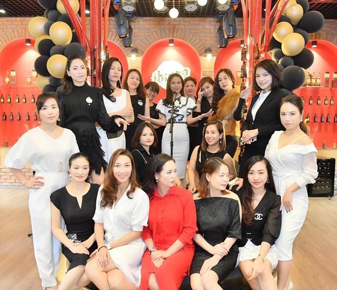 happy-queen-do-nhung-15