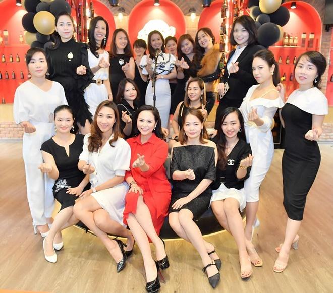 happy-queen-do-nhung-16