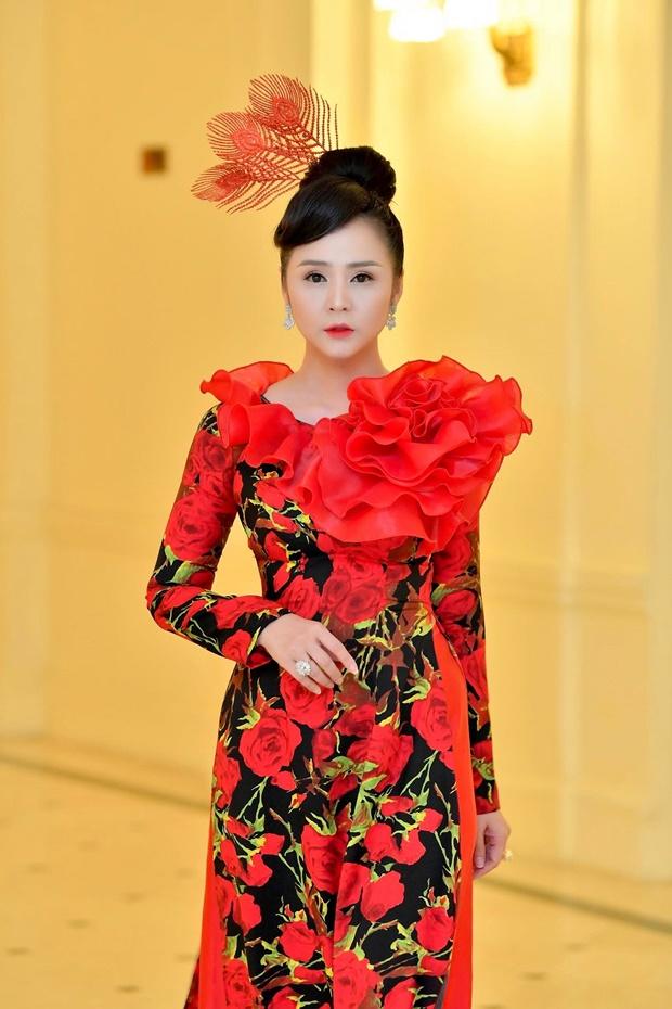 hong-lien-huong-queen-10