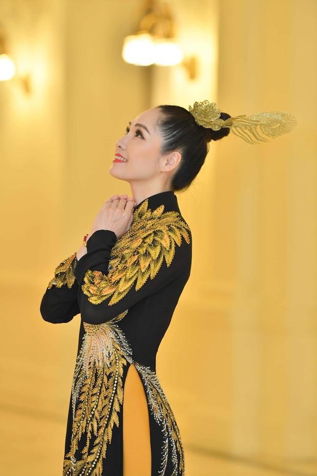 phung-mai-huong-huong-queen-1