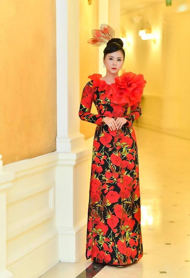 phung-mai-huong-huong-queen-13