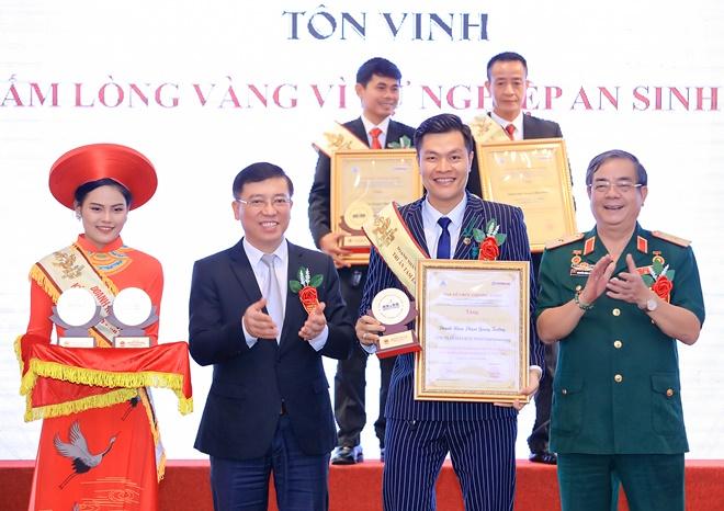 Quang-truong-diem-hang-3