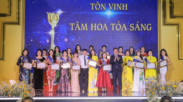 HSV - Tam Hoa Toa Sang