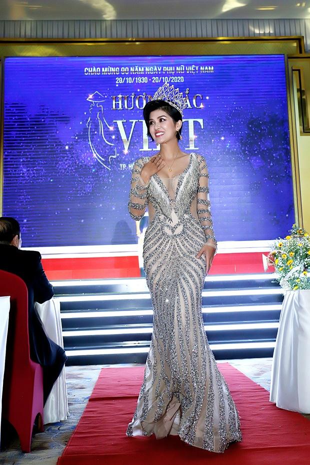 ho-oanh-yen-huong-sac-viet-12