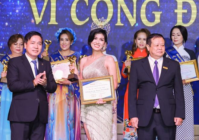 ho-oanh-yen-huong-sac-viet-3