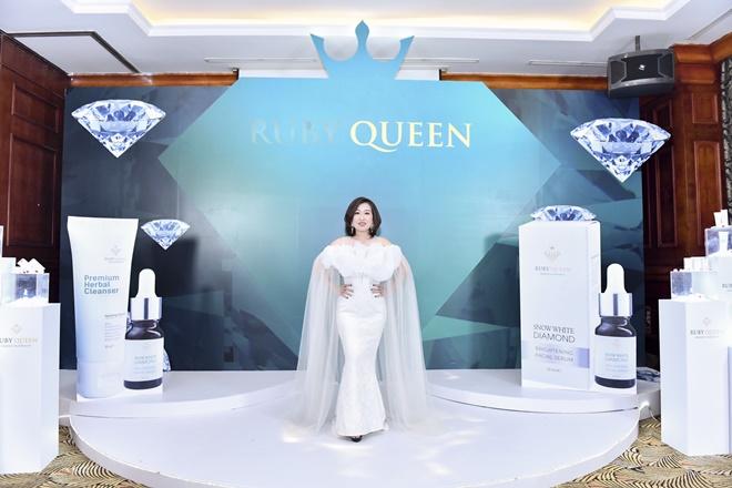 hong-nhung-ruby-queen-1