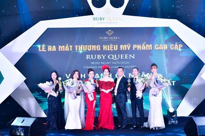 hong-nhung-ruby-queen-5