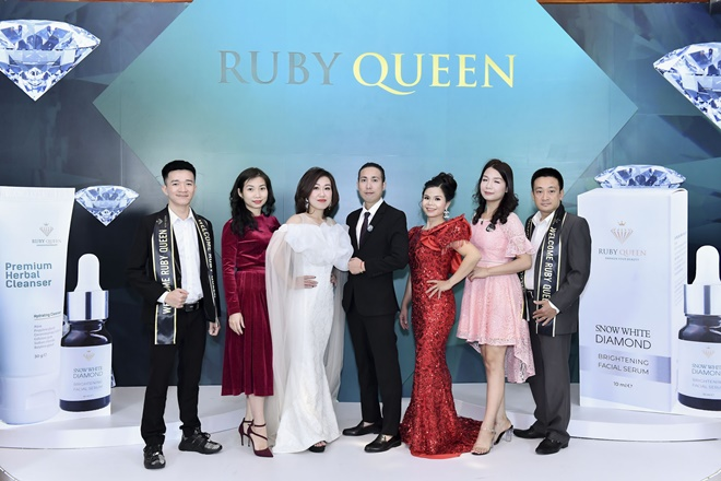 hong-nhung-ruby-queen-8