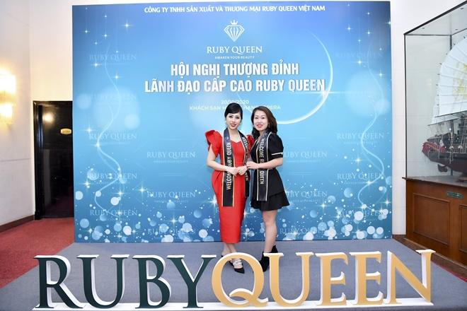 hong-nhung-ruby-queen-9