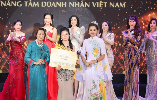 pham-thi-cuc-hoahaudoanhnhanvietnamqua anh-7