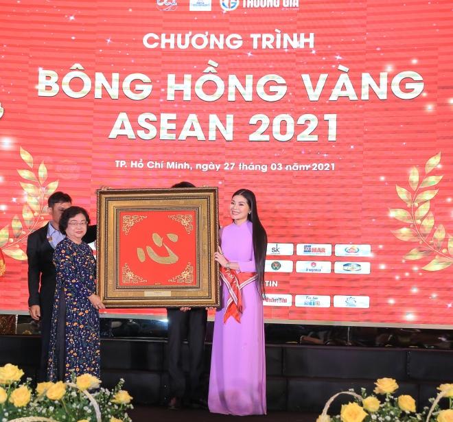 bong-hong-vang-2021-1