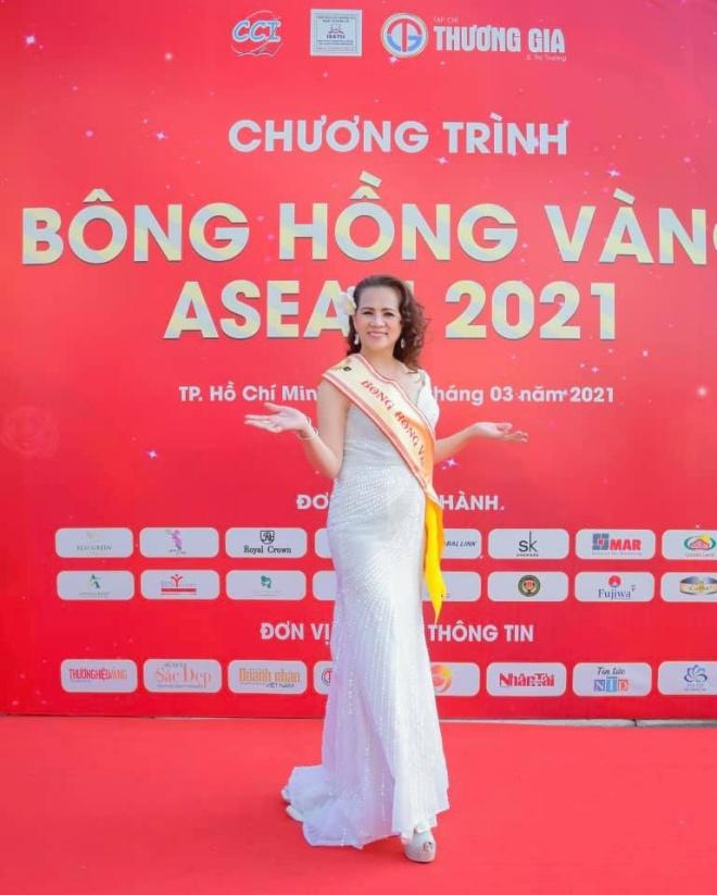 long-van-bonghongvang-4