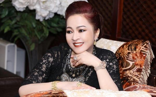 batch_nguyen-phuong-hang-lam-tu-thien-3
