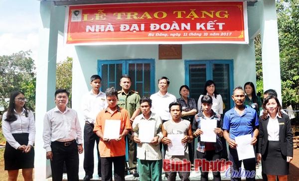 batch_nguyen-phuong-hang-lam-tu-thien-9